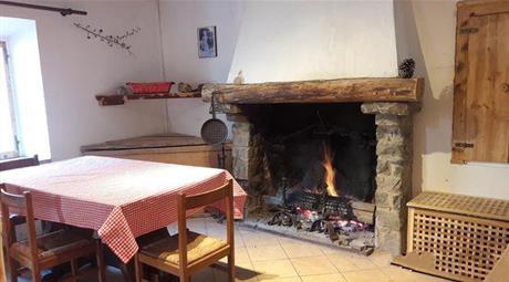 Vendesi casa in sasso - parz.ristrutturata a Castelnovo nè Monti (RE)