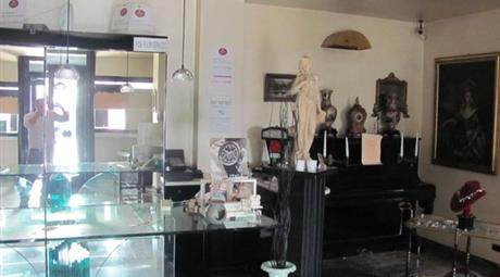 Negozio commerciale a Campiglione (FM)