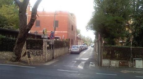 Trilocale in Vendita in Via Santa Giovanna Elisabetta 28 a Roma