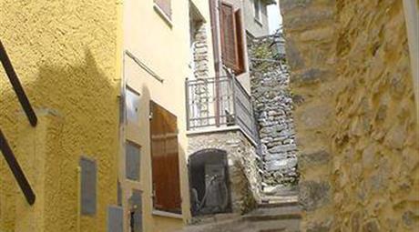 Terratetto a Fabbiano Fraz. di Seravezza (LU)