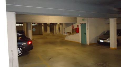 Garage in vendita in via Ortigara, 2