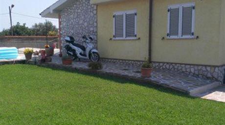Villa in Vendita in Via Acicastello 24 a Nettuno