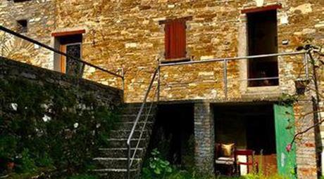 Casa/Villa indipendente in vendita a Borgo Val di Taro