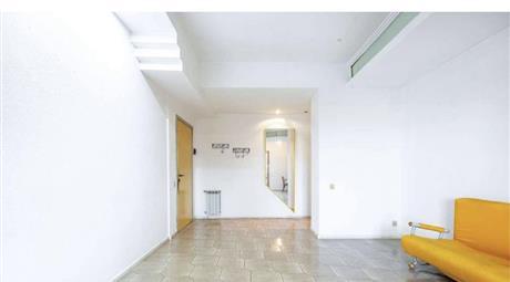 Luminoso e spazioso appartamento immerso nel verde