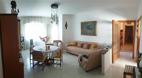Ampio appartamento al 3^ piano
