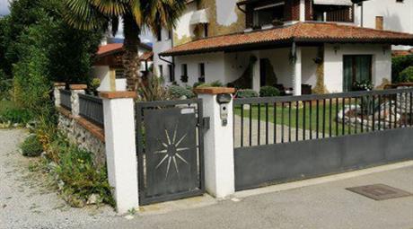 Porzione Di Casa in Vendita in Via Tesana Nord 45 a Maniago