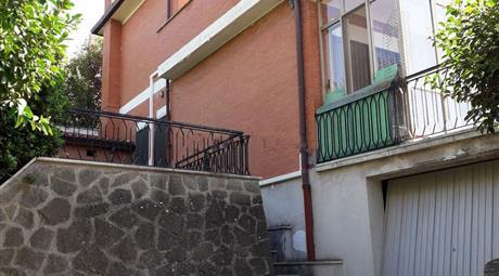 Casa indipendente in vendita in via Bondeno, 3