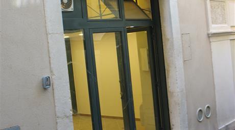 Affitto negozio a L'Aquila in Centro Storico