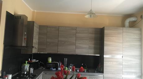 Appartamento ristrutturato, arredato a basso consumo energetico A2 con impianto fotovoltaico e termodinamico