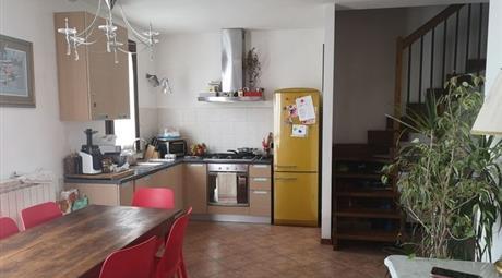 Appartamento in Vendita in zona San Cassiano a Vico a Lucca