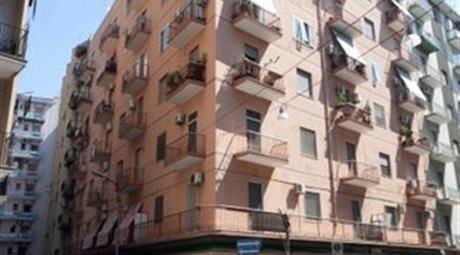 Trilocale in vendita in via Fratelli Mellone, 75.000 €
