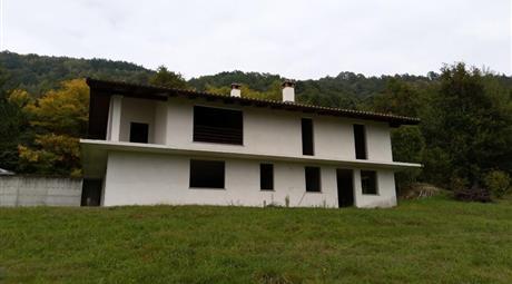 Casa indipendente con Terreno privato