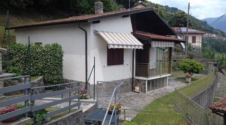 Villa unifamiliare via Lago Delio 1, Maccagno con Pino e Veddasca