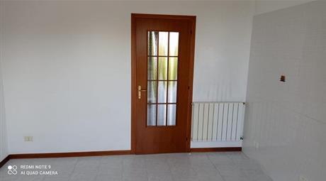 Trilocale con due balconi e un garage a Sorgà