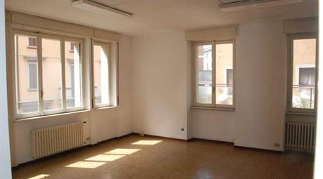 Ufficio in affitto via Piave 3, Varese