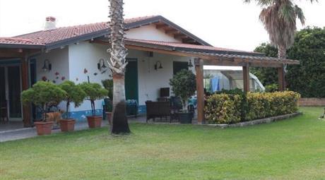 Villa in vendita in via germanosa, 20 Rometta