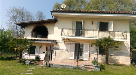 Villa in vendita in via Carutti, 3