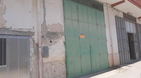 Locale /Garage in Vendita