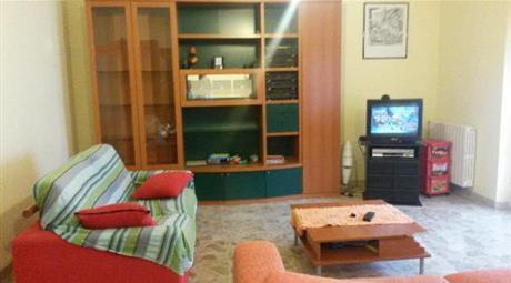 Luminoso appartamento mobiliato Villa Sabucchi