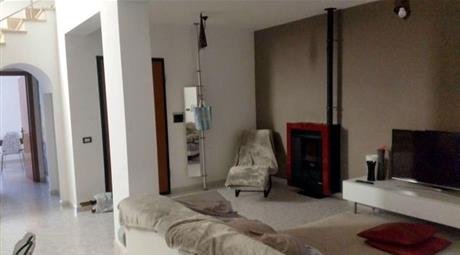 Appartamento su due livelli in quadrifamiliare in Vendita a Via del Mesale 32 a Terni