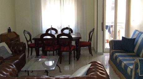 Luminoso appartamento semi arredato