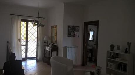 Villa quadrifamiliare Mentana