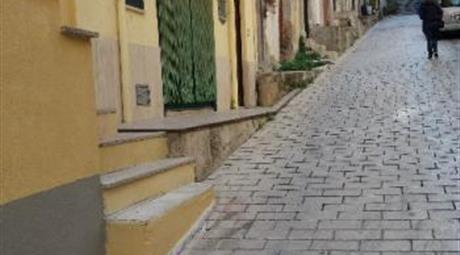 Immobile sito nel centro storico di Torretta (Pa)