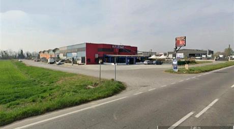 Locale in vendita a Sarmato