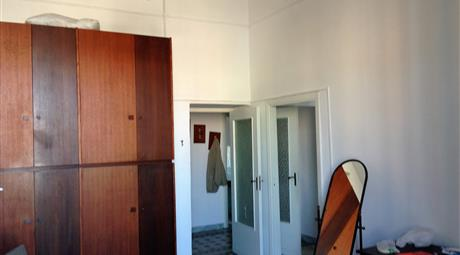 Ampio appartamento da ristrutturare