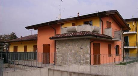 Villa bifamiliare a Spirano