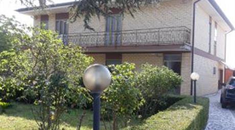 Villa bifamiliare in  vendita a Borgo Carso
