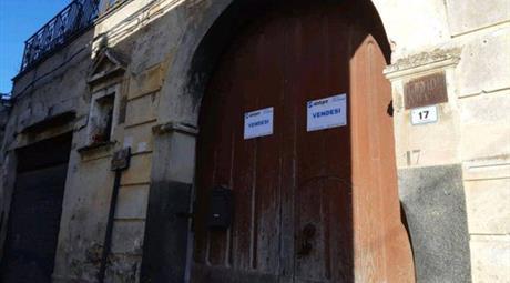 Palazzo storico in vendita
