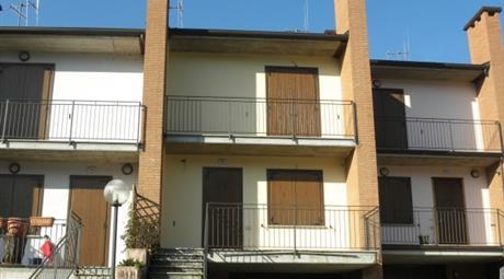 Villetta a schiera Strada Val Sporzana 154, Fornovo Di Taro € 140.000