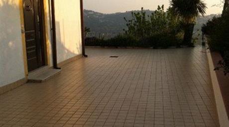 Villino in Vendita in Via Monte Pilorci a Sezze