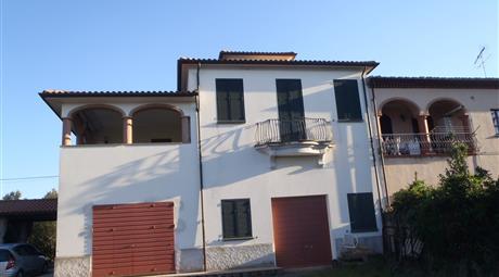 Villa in vendita in via San Bartolo
