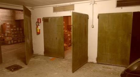 Box/garage in affito