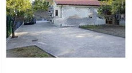Villetta singola con terreno in vendita