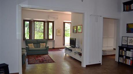 Appartamento via Roma, Rignano Flaminio, ristrutturato