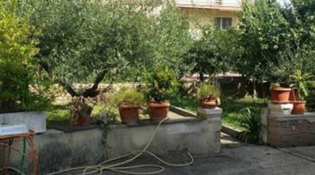 Villa via Lidia Bianchi, Roma