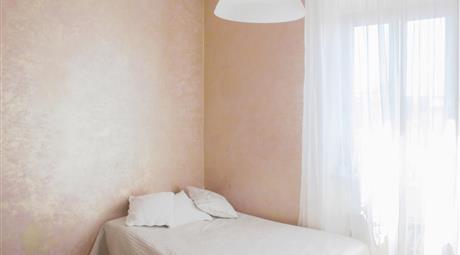 Appartamento di due piani 5 camere ottimo per affitto