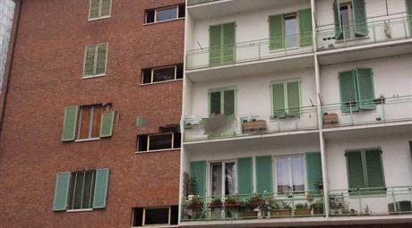 Trilocale via Valenza 49, Torino