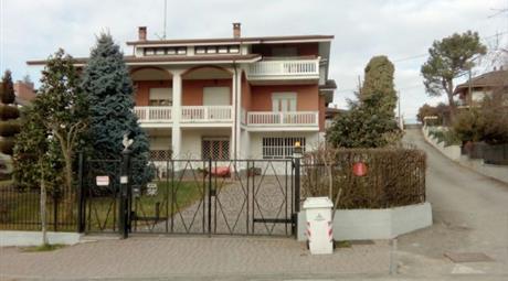 Villa via Cuneo 43, Monta'