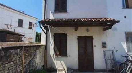 Casa indipendente in vendita in via Santa Maria, 82