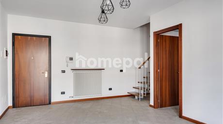 Luminoso trilocale duplex con terrazzo e box