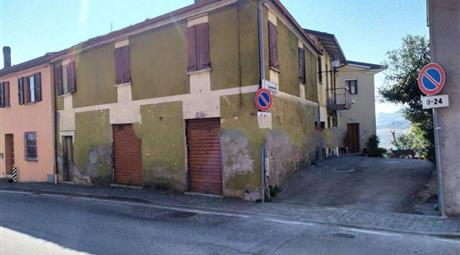 Trilocale in vendita a  Borghi