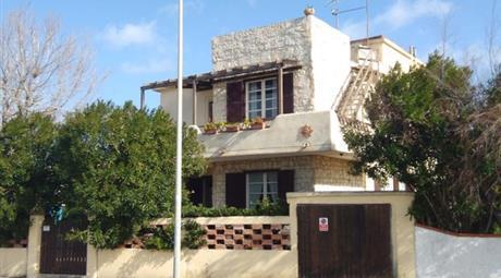 Vendesi casa 50 metri dal mare