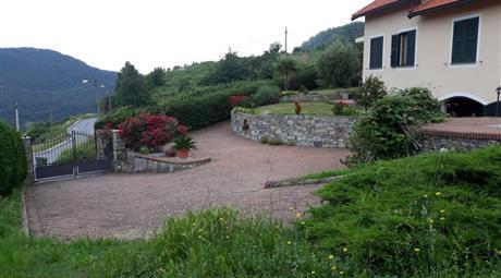 Villa indipendente antisismica - Sant'Olcese Genova.