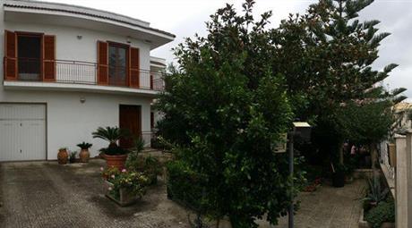 Casa Indipendente in Vendita in Via della Repubblica 26 a San Michele Salentino