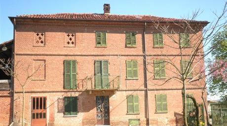Rustico, Casale in Vendita in Via Scurzolengo 7 a Calliano