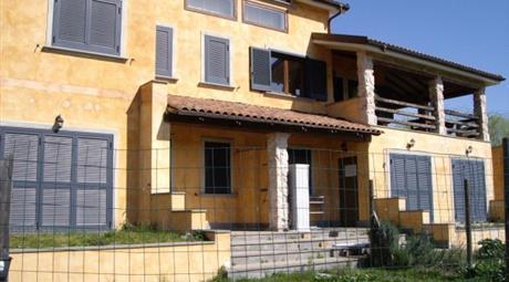 Villa via Madonna Due Ponti, Capena      € 870.000